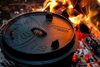 Petromax Feuertopf aus Gusseisen